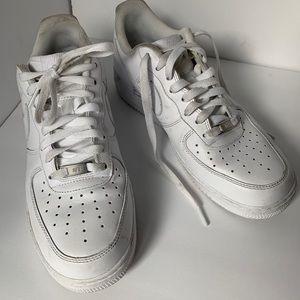 Men's Nike airforce 1 low. Size 10